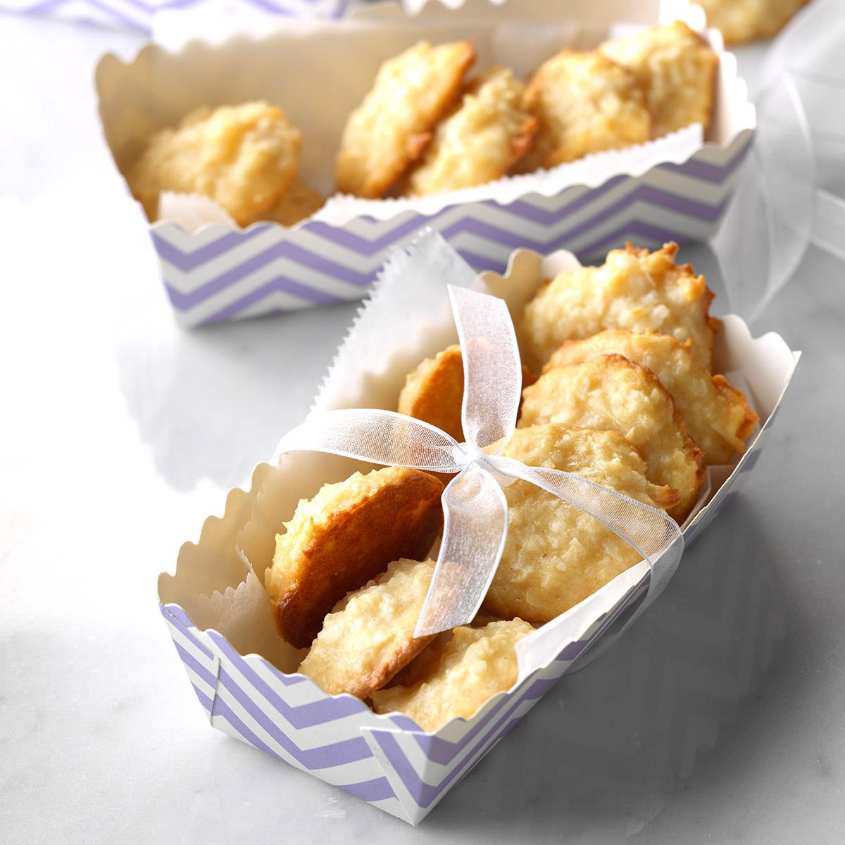 Chewy Coconut Macaroons image