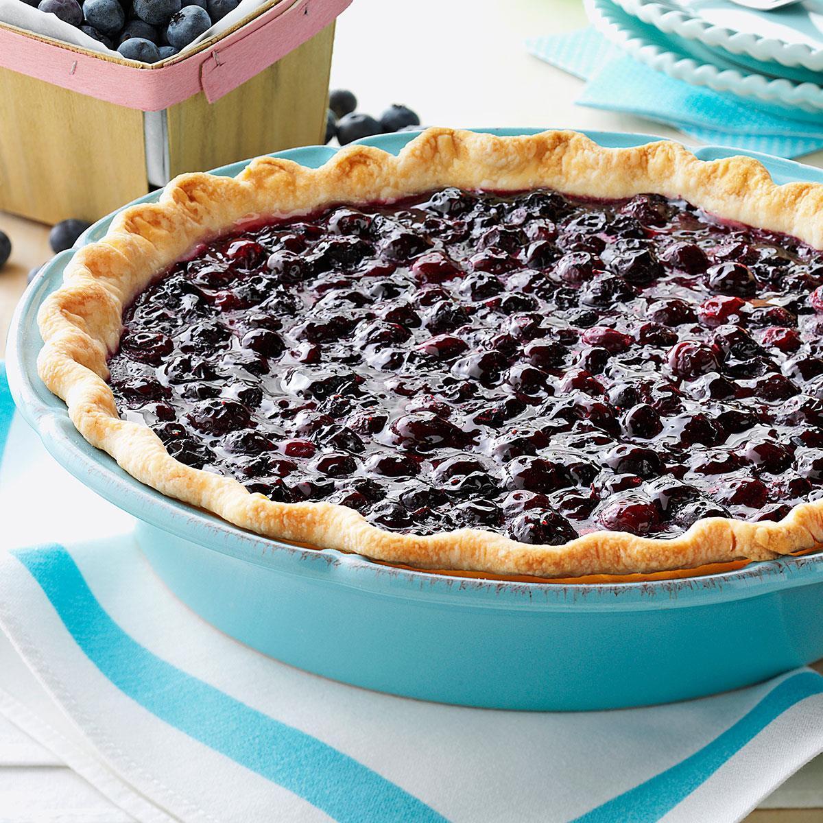 Contest-Winning Fresh Blueberry Pie_image