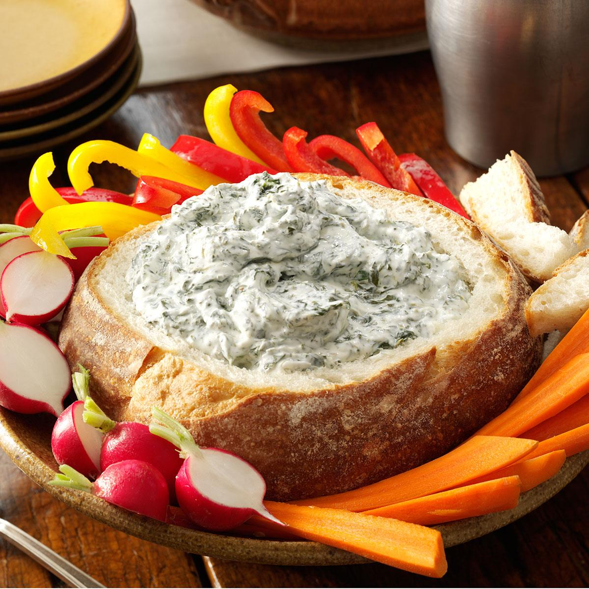 Spinach Dip in a Bread Bowl_image
