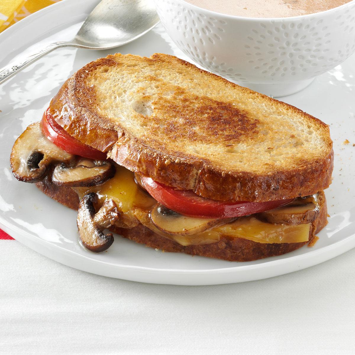 Portobello Gouda Grilled Sandwiches Recipe How To Make It Taste Of Home