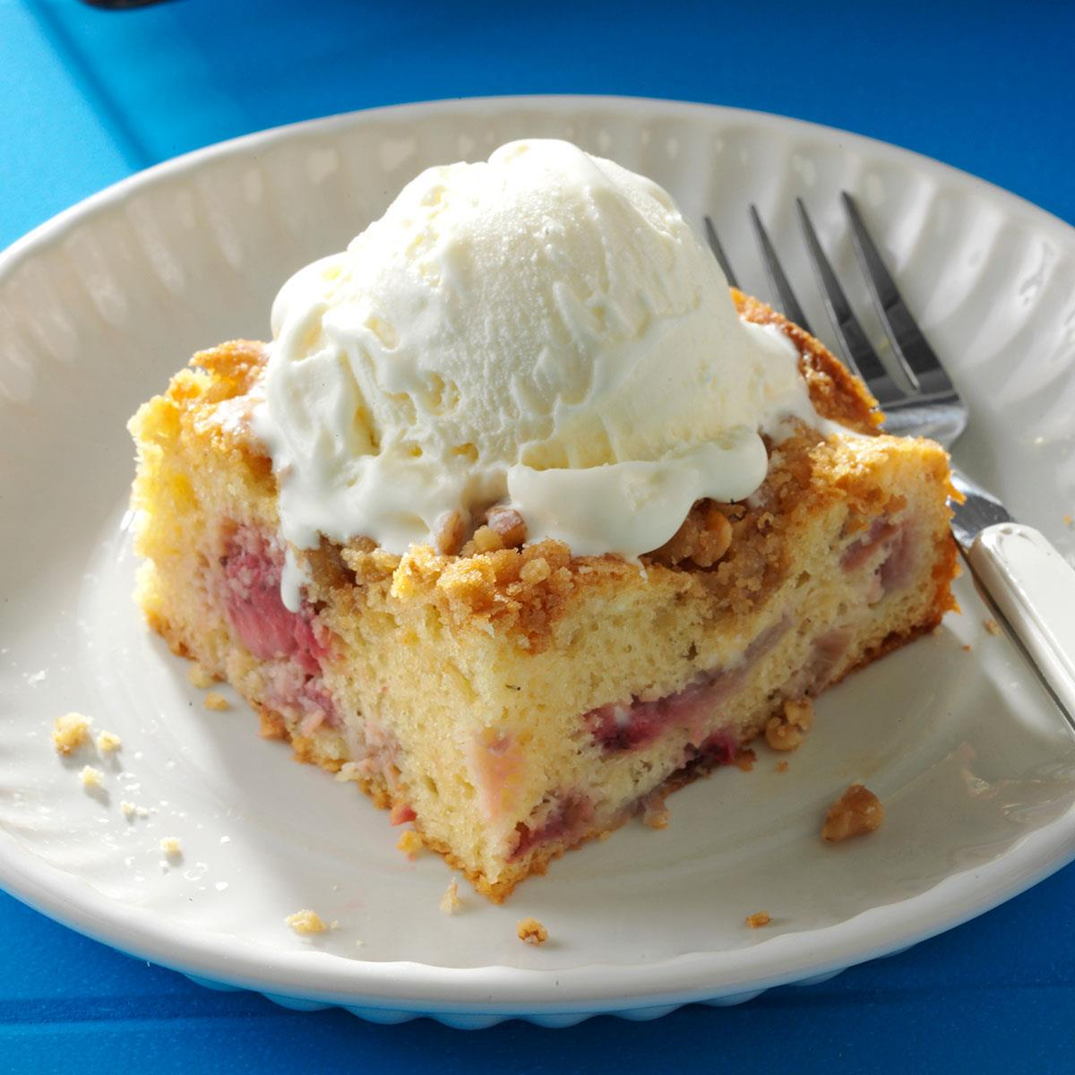 Rhubarb Berry Coffee Cake Recipe How To Make It Taste Of Home