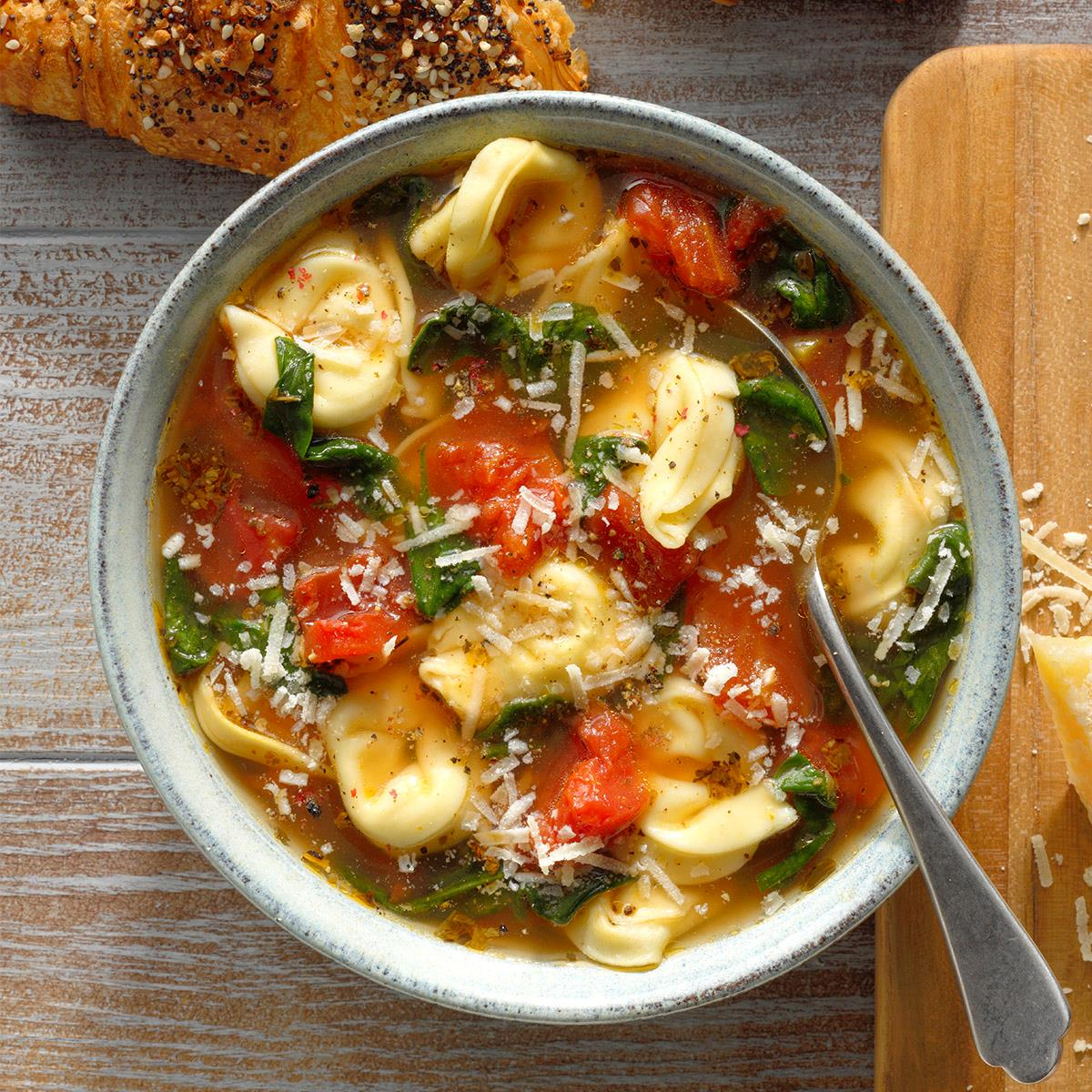 Spinach and Tortellini Soup