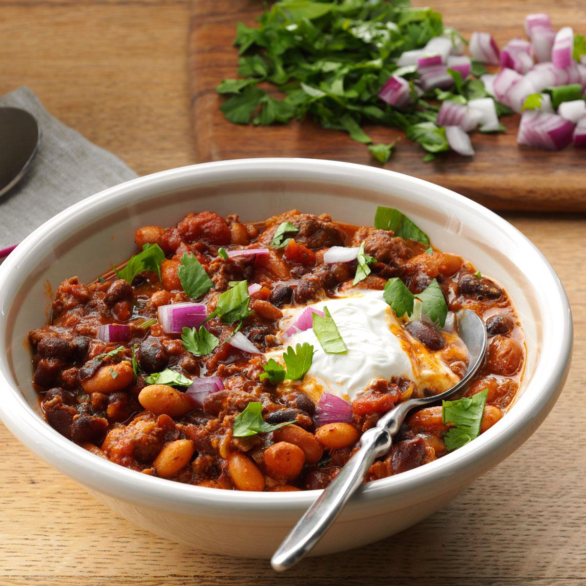 Bean Beef Slow Cooked Chili Recipe How To Make It Taste Of Home