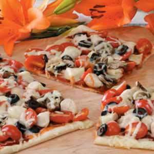 Mushroom Chicken Pizza image