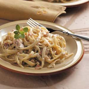 Fettuccine with Bacon-Clam Sauce image