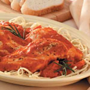 Chicken with Garlic-Tomato Sauce image