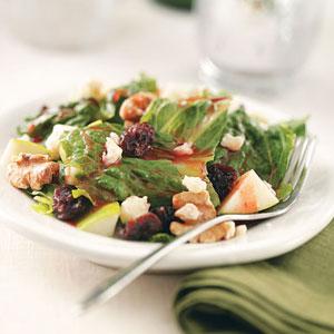 Crunchy Walnut Salad image