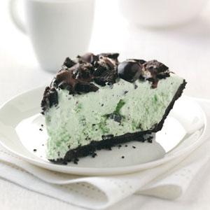 Easy Grasshopper Ice Cream Pie