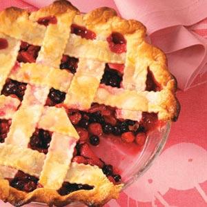 Cherry-Berry Fruit Pie_image