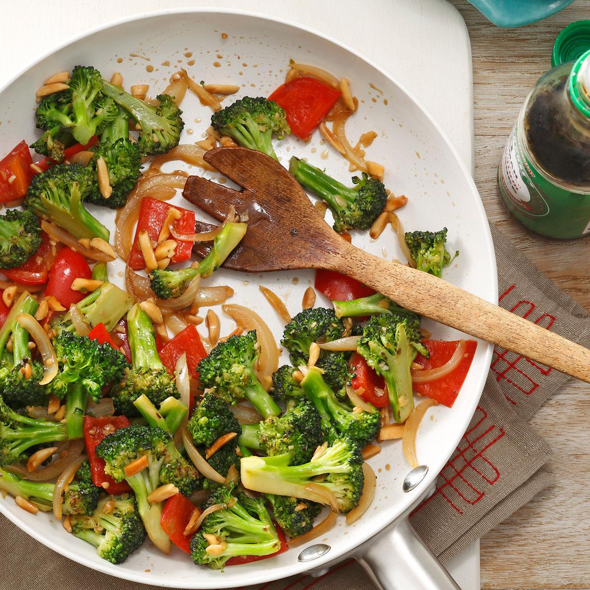 Almond vegetable stir fry recipe taste of home forumfinder Image collections
