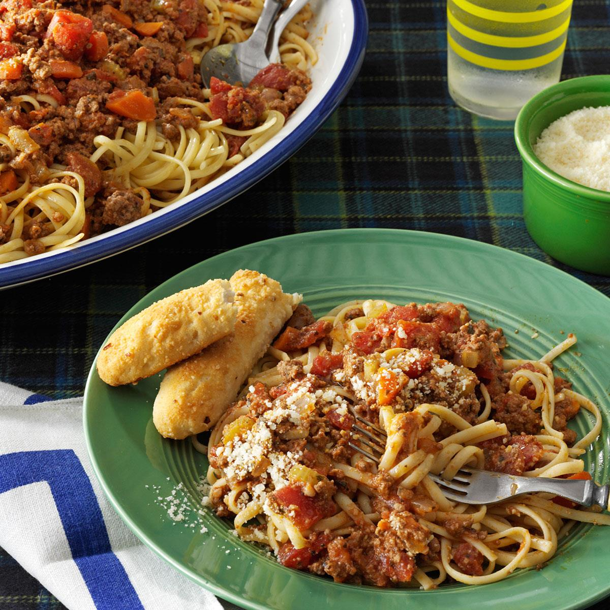 Beef bolognese with linguine recipe taste of home forumfinder Choice Image