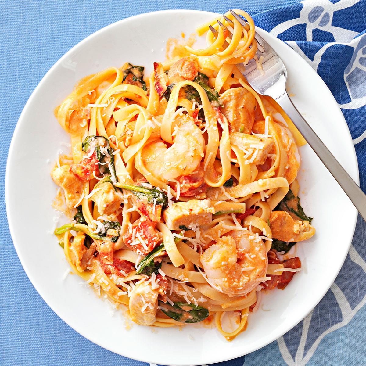 Chicken shrimp fettuccine recipe taste of home forumfinder Image collections
