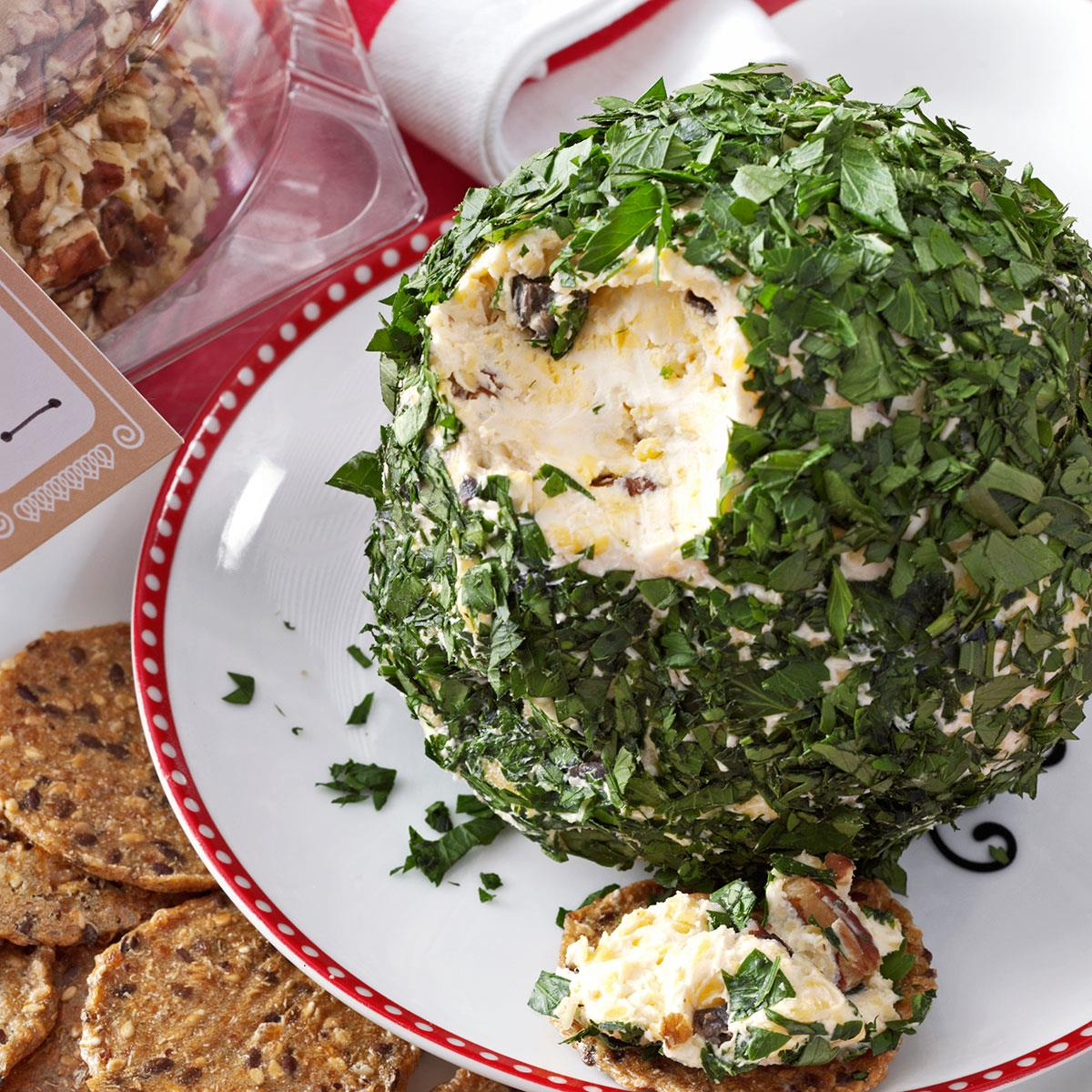 Christmas Cheese Ball.Christmas Cheese Balls