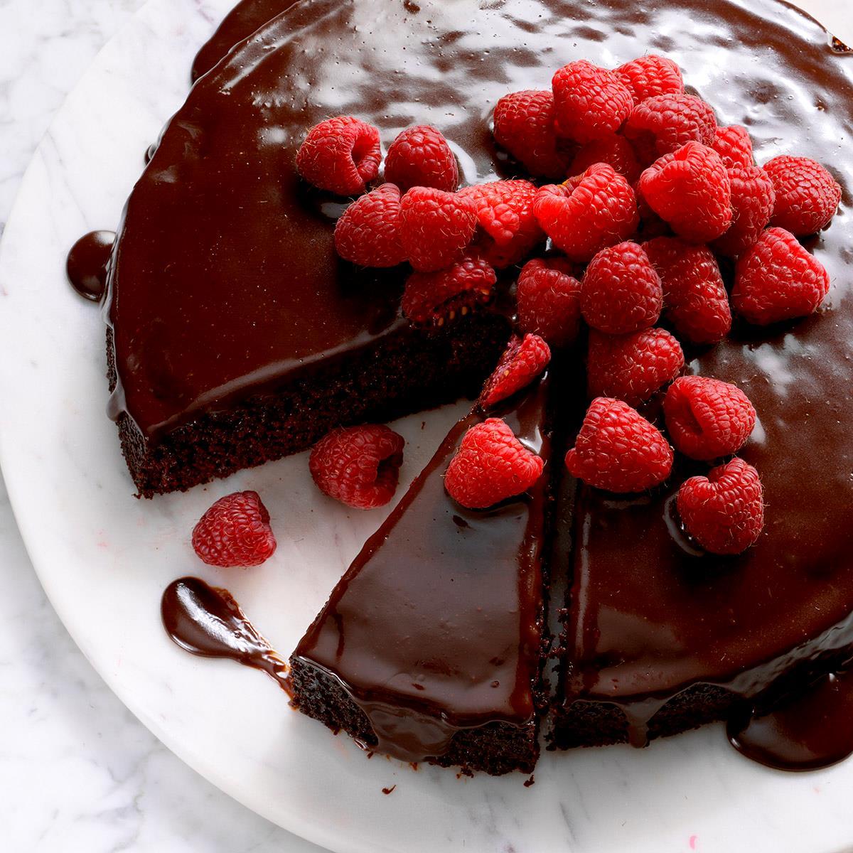 Ganache Topped Chocolate Cake