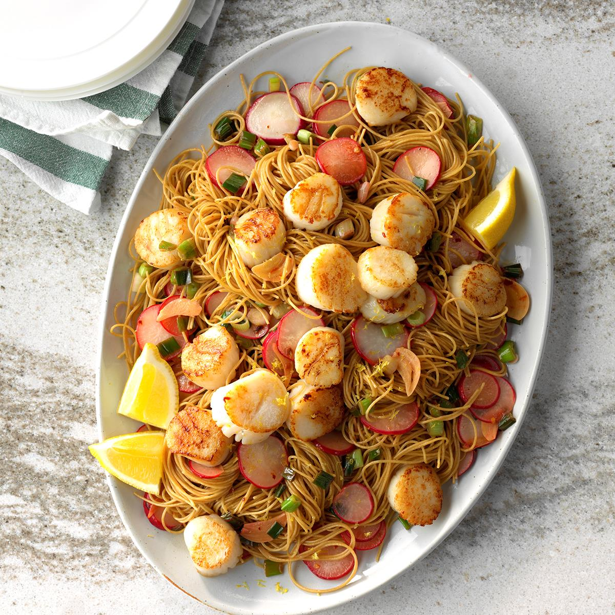 Lemony scallops with angel hair pasta exps sdas18 200385 c03 29  12b
