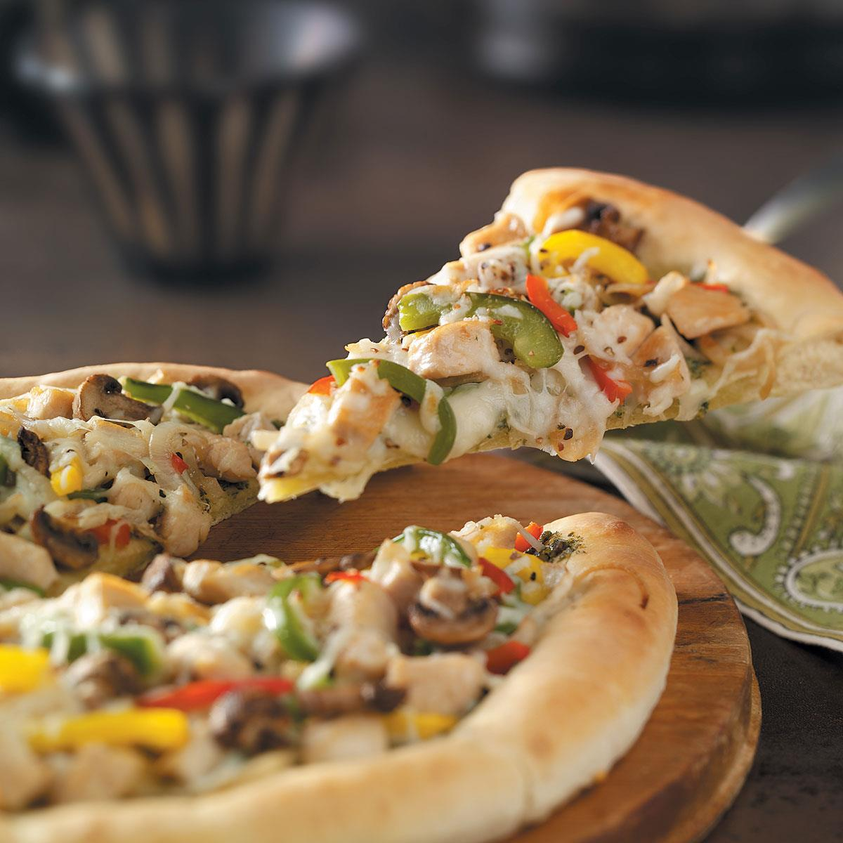 Pesto chicken pizza recipe taste of home forumfinder Image collections