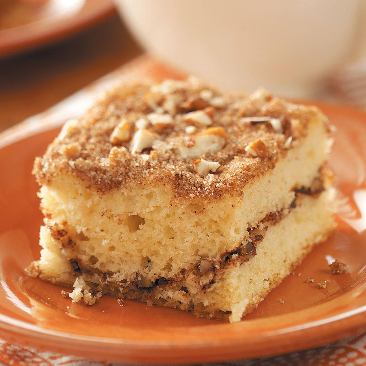 How to Make Sour Cream Coffee Cake