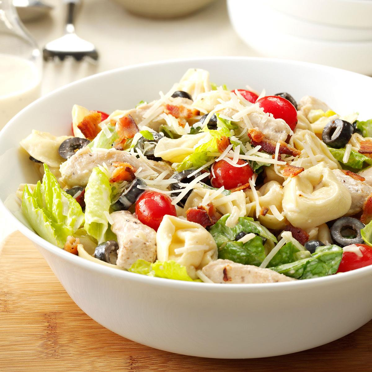 Caesar salad with chicken at home, a simple classic recipe with crackers 74