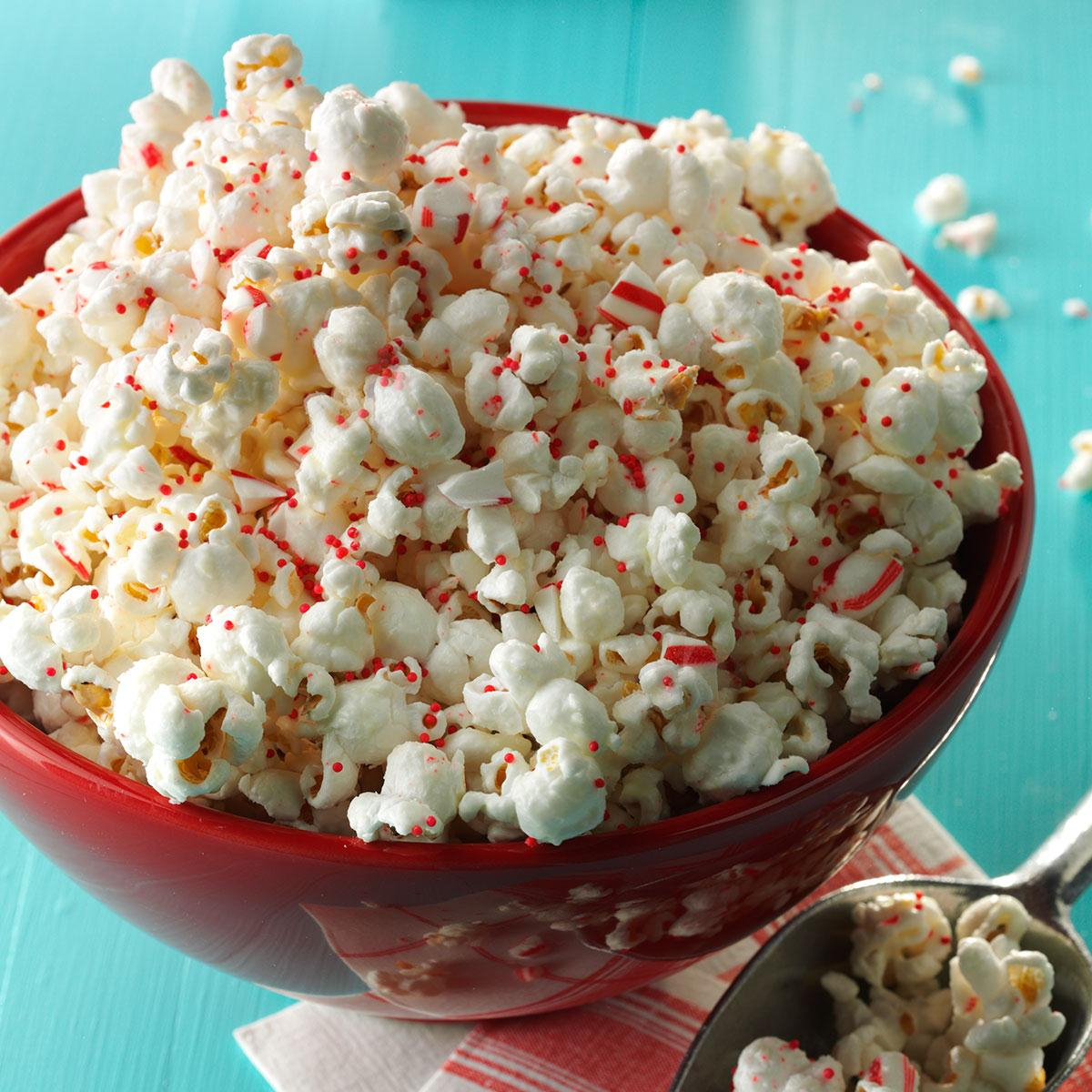 Christmas Popcorn Recipes.Peppermint Popcorn