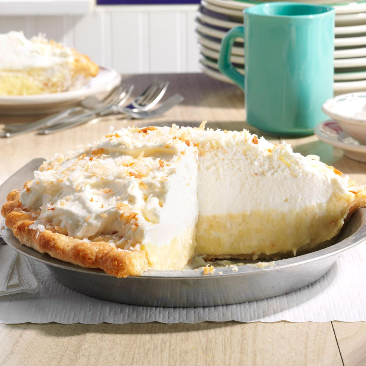 Delicious pie with rice: recipes