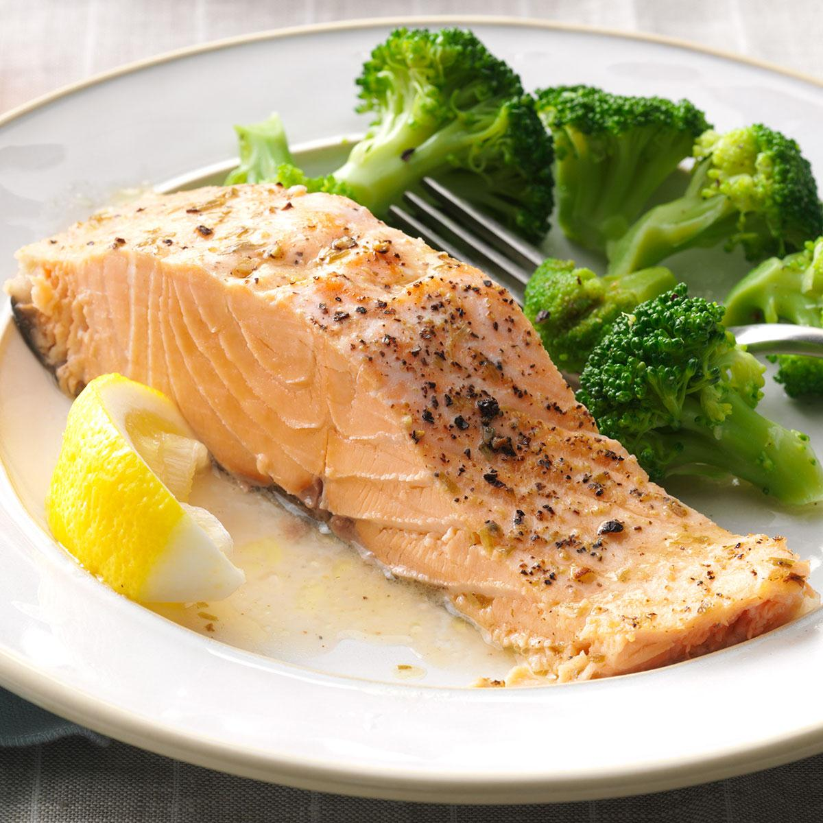 How to bake salmon in the oven. Cooking recipes