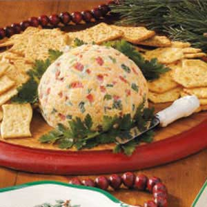 Christmas Cheese Ball.Cheese Ball Spread