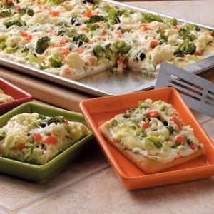 Veggie appetizer squares recipe taste of home forumfinder Choice Image