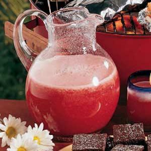Strawberry lemonade recipe taste of home forumfinder Gallery